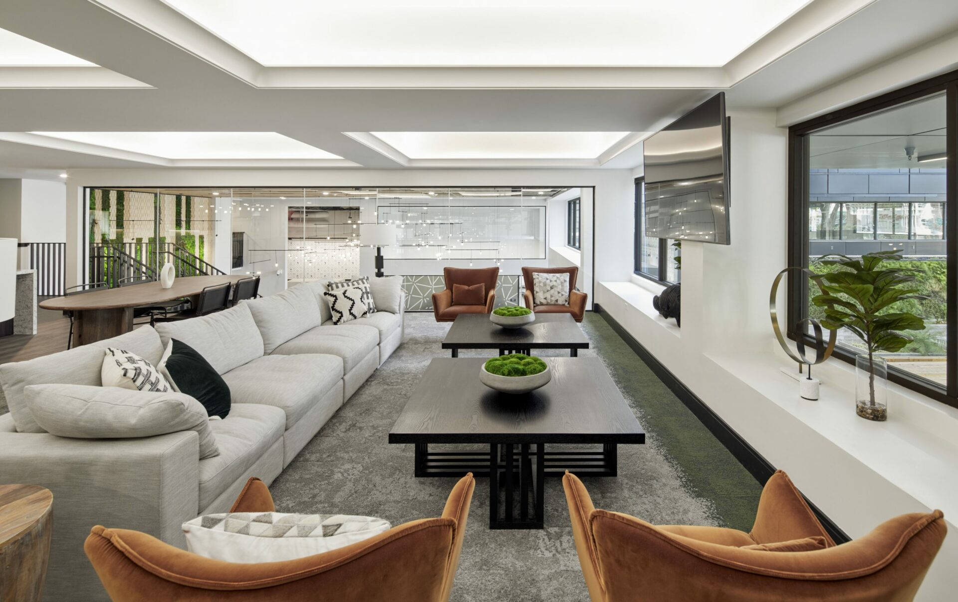 Oakland luxury apartments with live/work space