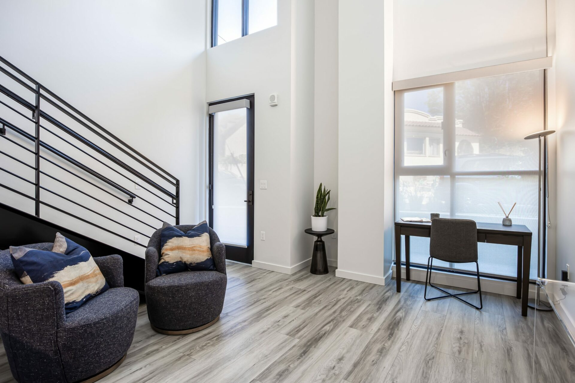 1 Bed Townhome Living Room